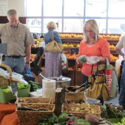 Shoppers at the Downtown 3rd Farmers Market.