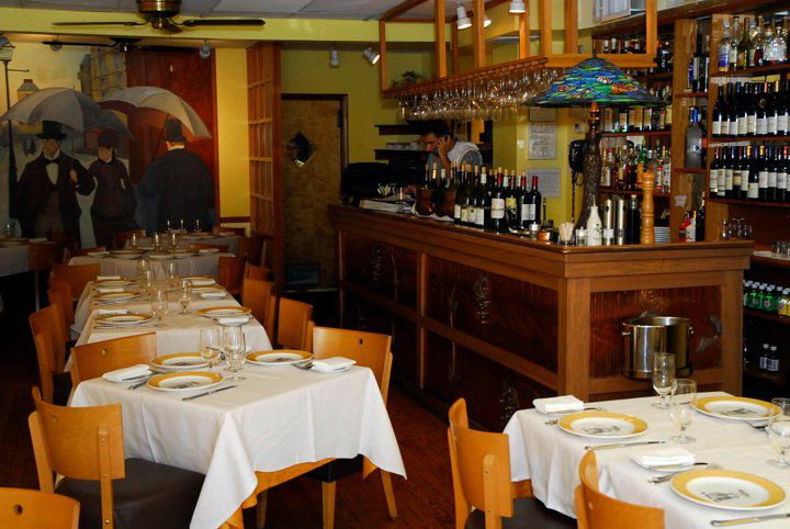 Bistrot Lepic DC dining room