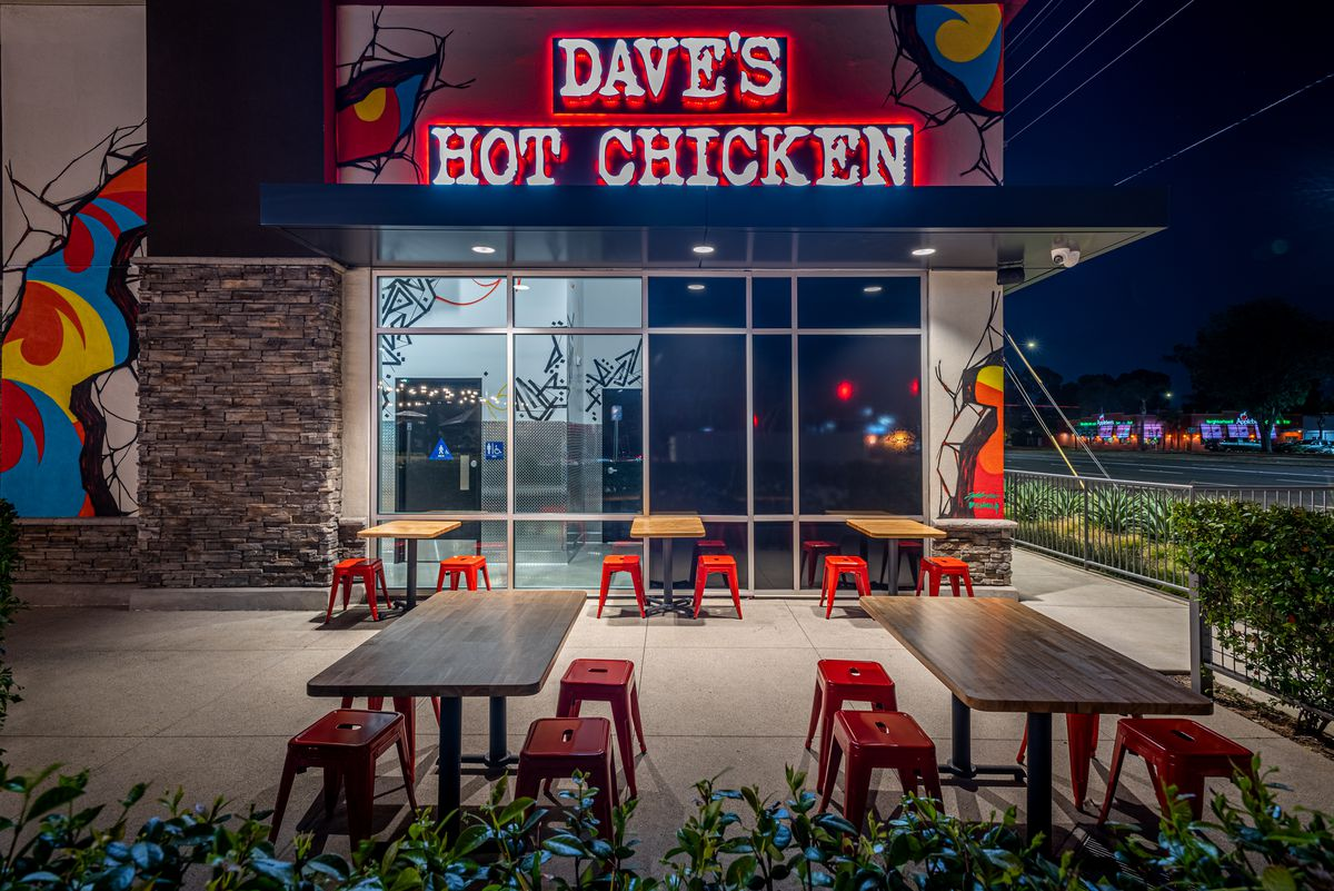 Storefront of Dave's Hot Chicken in El Cajon