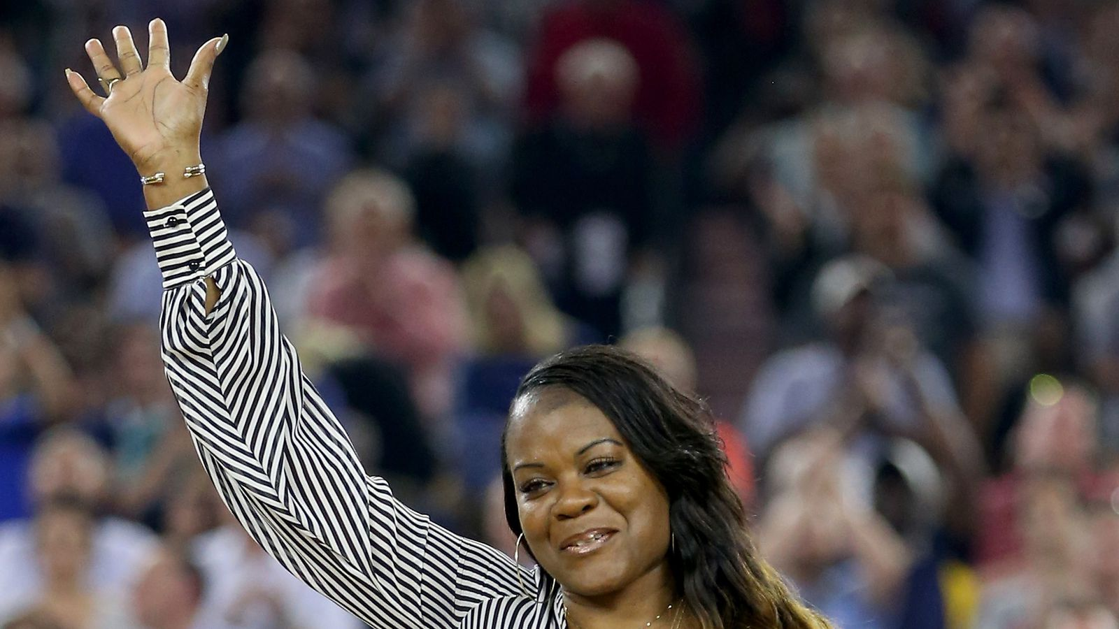 Sheryl swoopes broke records and barriers