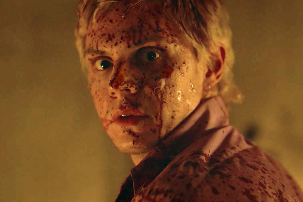 evan peters in american horror story apocalypse episode 2
