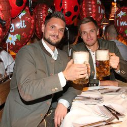Goalkeepers Union! Ulreich and Fruchtl!