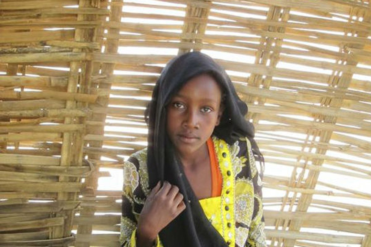 A woman Pedro Matos photographed for his blog, the Darfur Sartorialist.