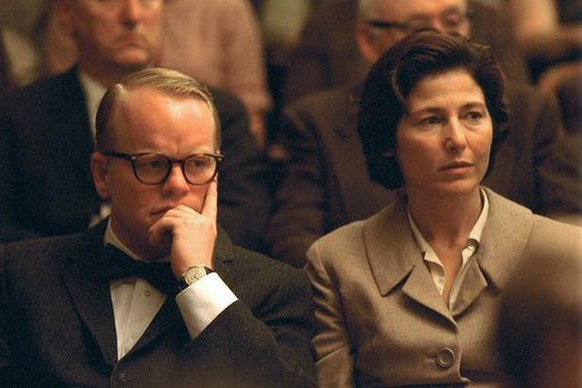 Philip Seymour Hoffman as Truman Capote and Catherine Keener as Harper Lee in Capote, 2005.