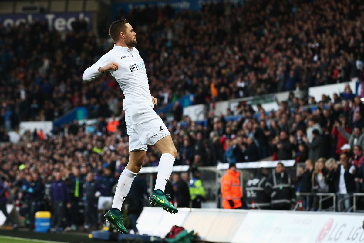 Everton agree £45m deal for Swansea's Gylfi Sigurdsson