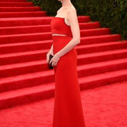 Honorable Classy Crop Top Mention: Anne Hathaway (Calvin Klein)