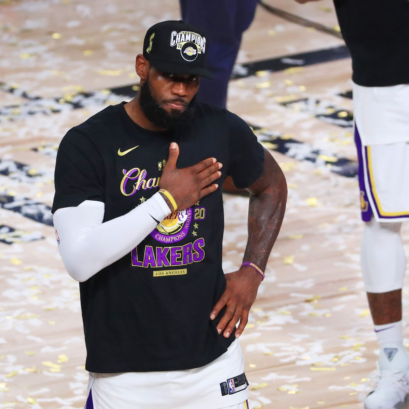 2020 Nba Finals Mvp Lebron James Takes Home Award After Lakers Beat Heat In Game 6 Draftkings Nation