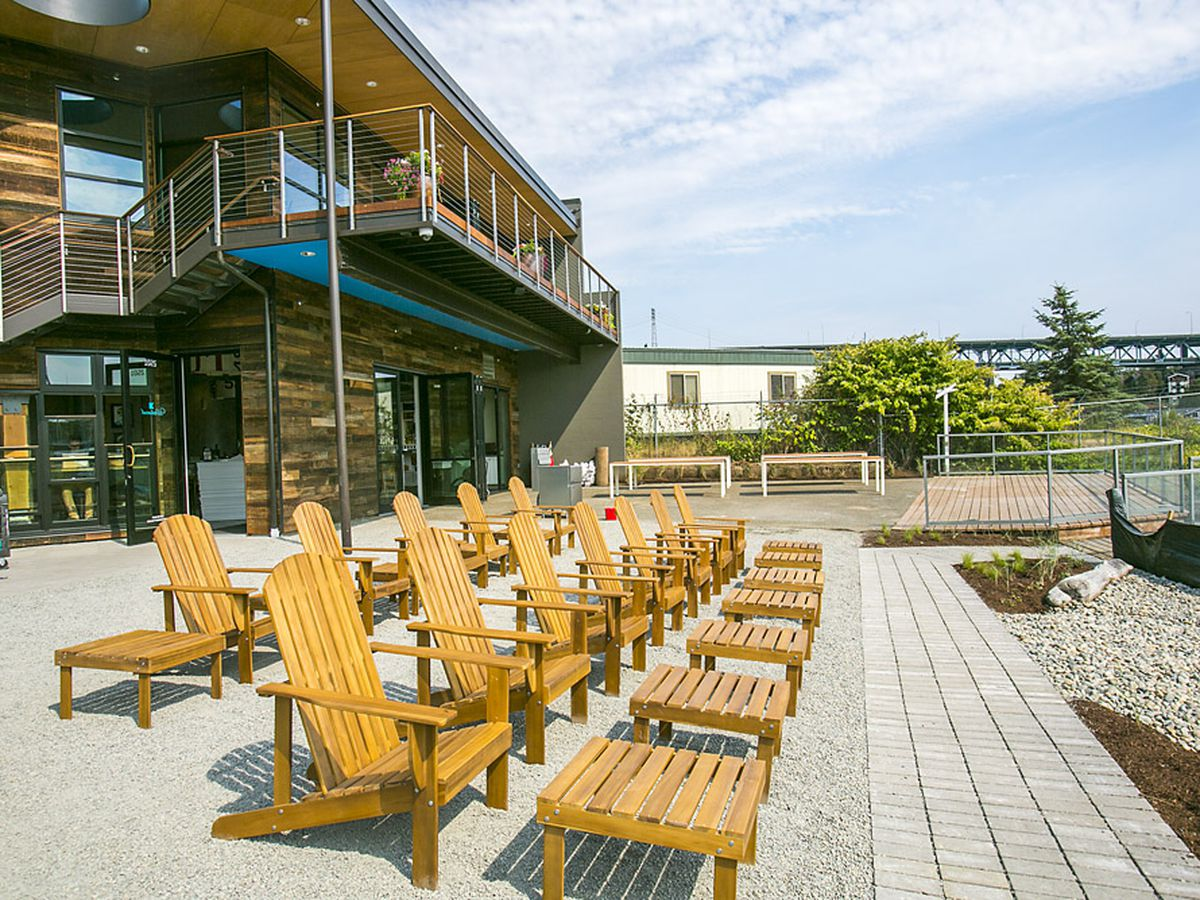 """<span data-author=""""-1"""">Adirondack chairs line up on th</span><span data-author=""""2187728"""">e northern shore of</span><span data-author=""""-1""""> Lake Union at Westward.</span>"""