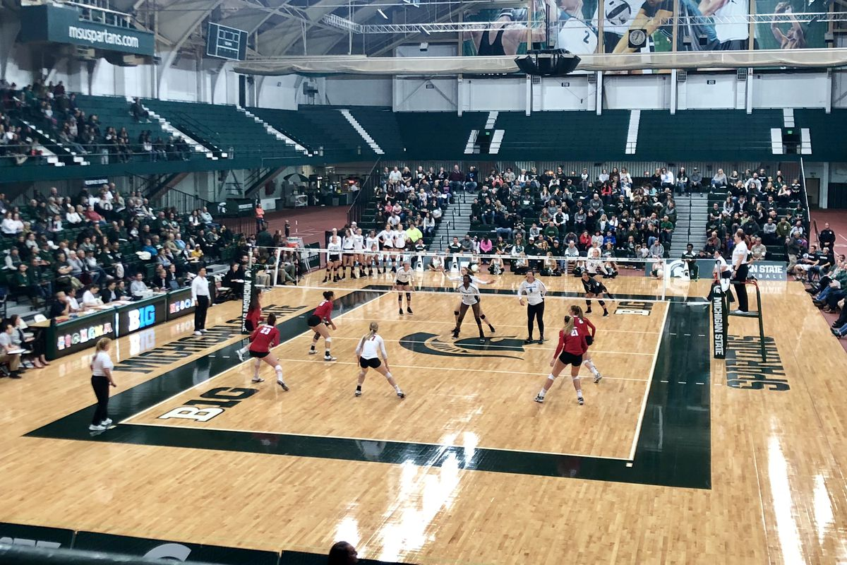 Michigan state volleyball faces off against Wisconsin at Jenison Field House Oct. 27, 2018.