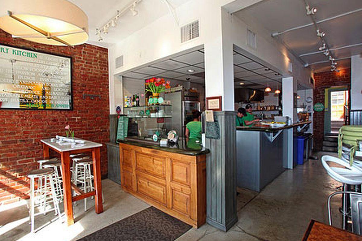 Vert Kitchen