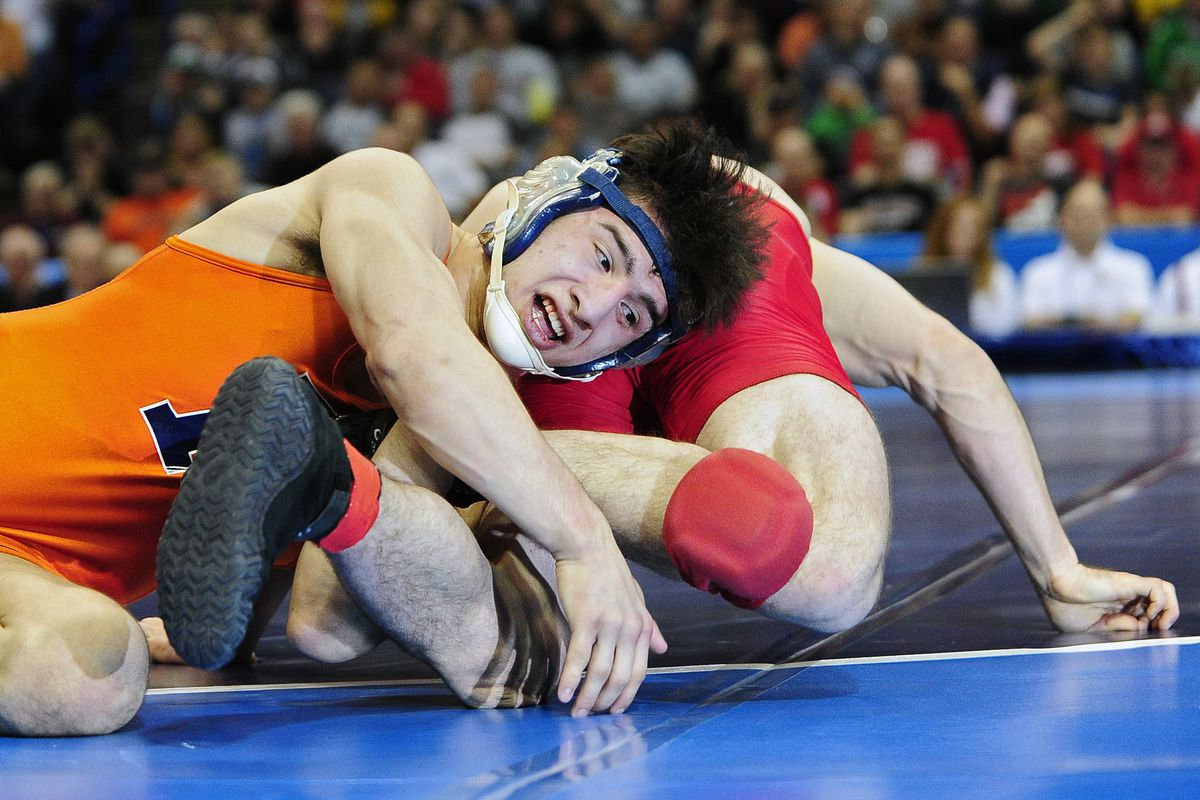 Couldn't find picture of Imar winning the title this year. Fortunately, there were pics of him winning it last year as well.