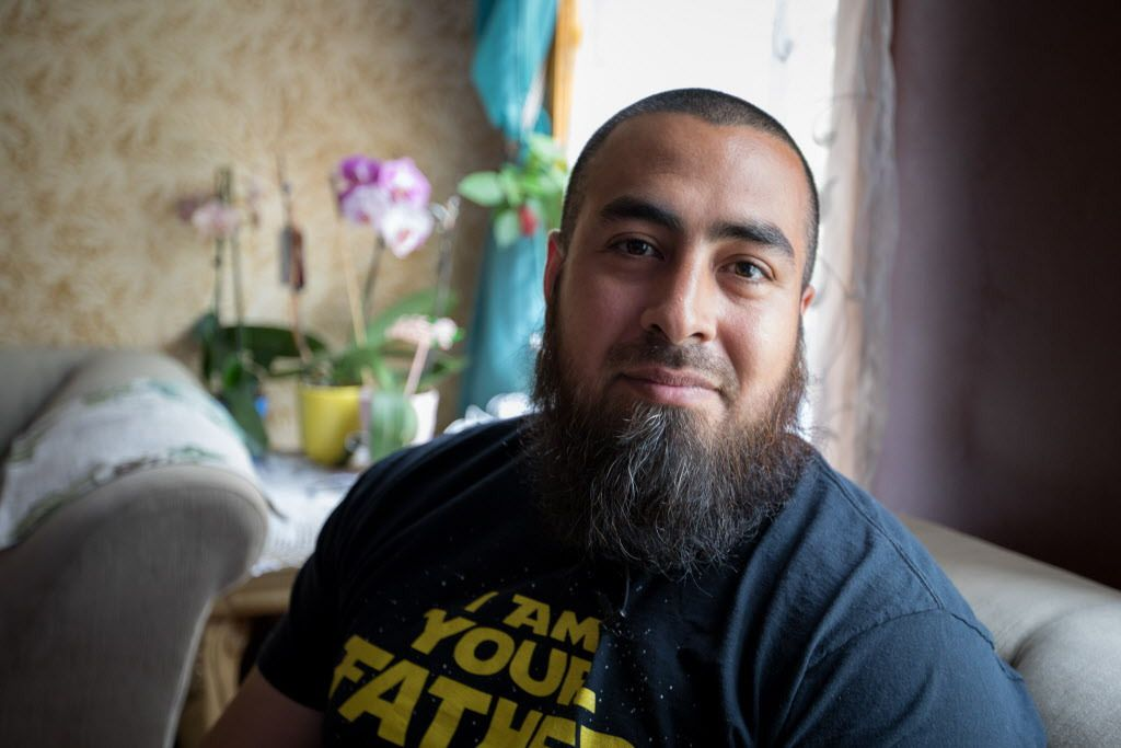 Efrain Diaz at his Brighton Park home. | Maria de la Guardia / Sun-Times