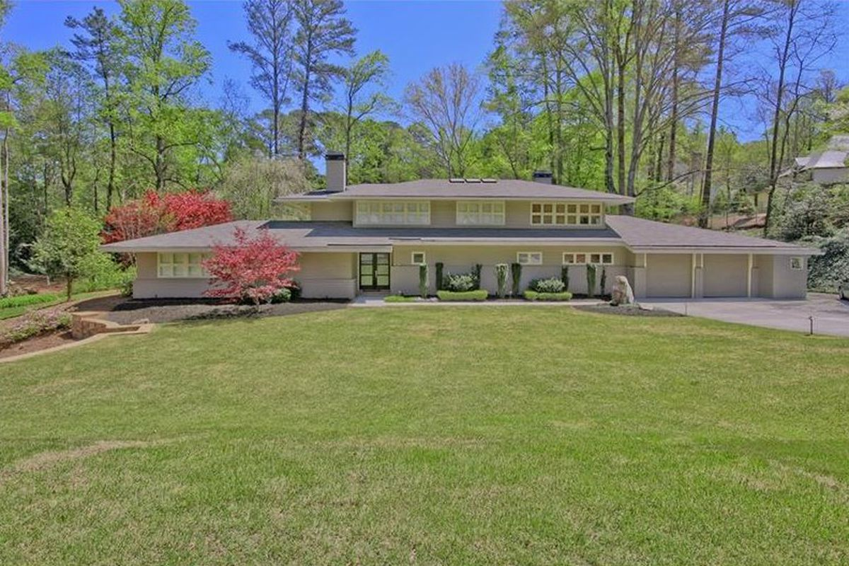A midcentury home in Buckhead that sprawls for nearly 5,000 square feet.