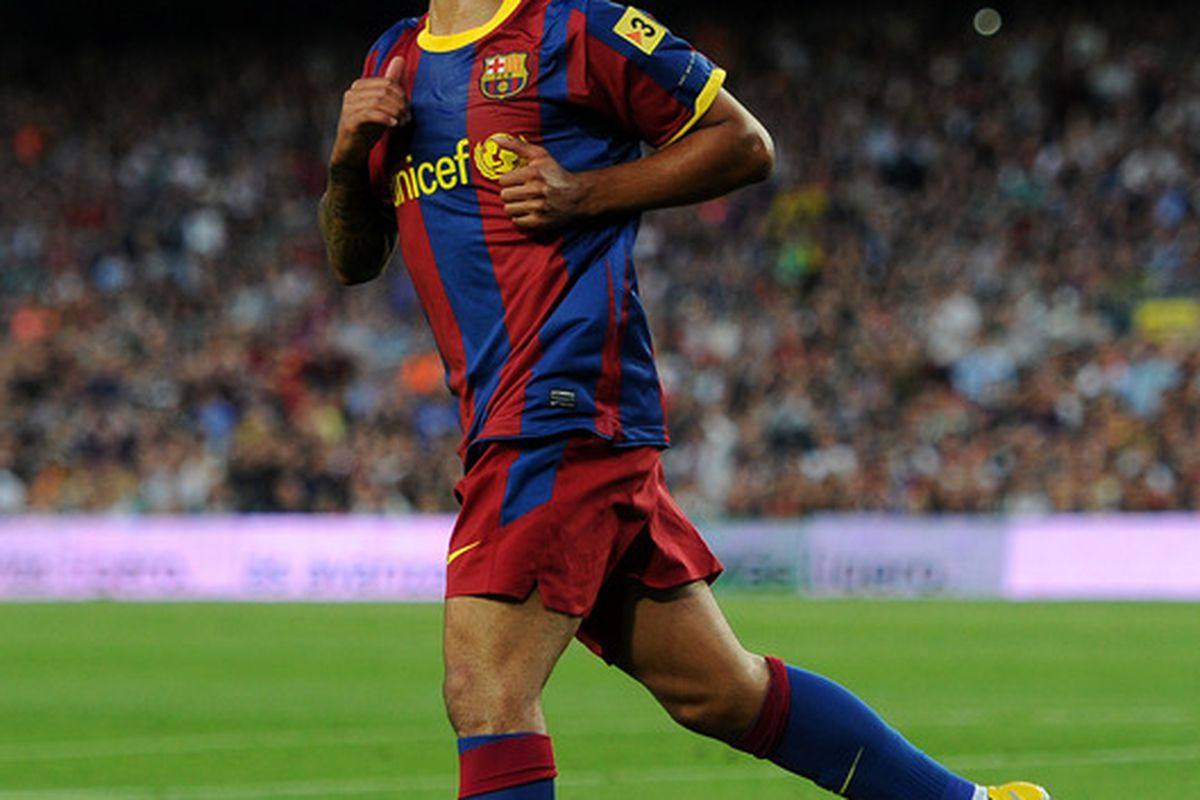 BARCELONA, SPAIN - APRIL 09:  Thiago Alcantara of Barcelona looks up during the la Liga match between FC Barcelona and UD Almeria at the Camp Nou stadium on April 9, 2011 in Barcelona, Spain.  (Photo by Jasper Juinen/Getty Images)