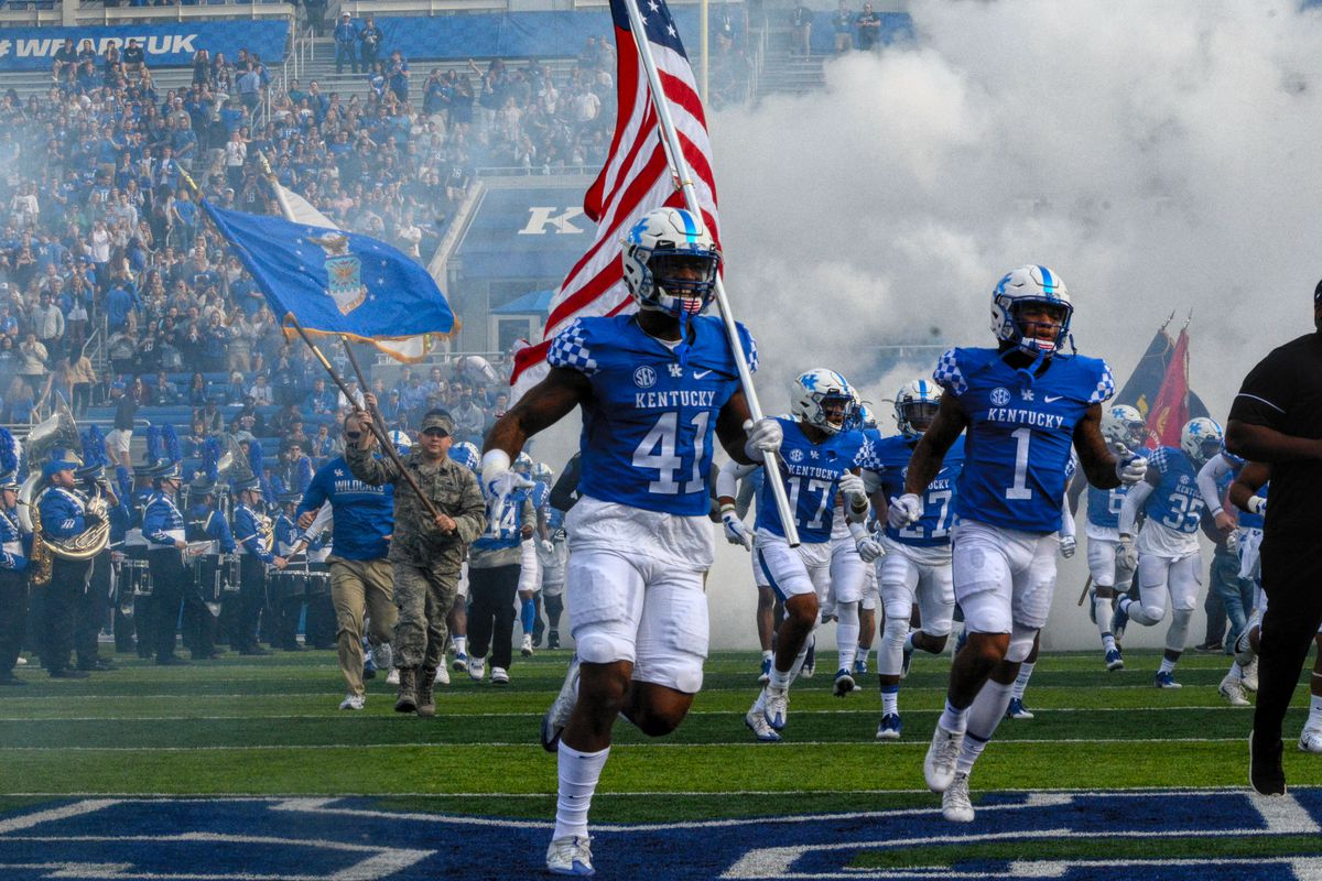 Kentucky Football Awards And Honors A Sea Of Blue