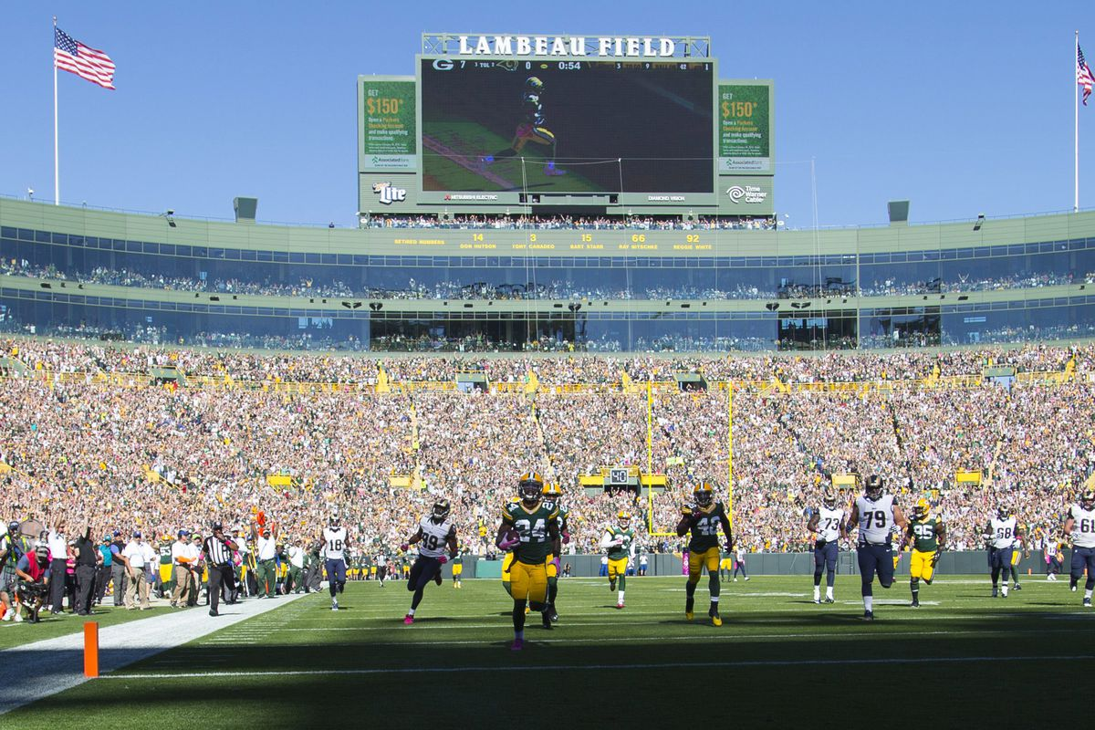 NFL: St. Louis Rams at Green Bay Packers