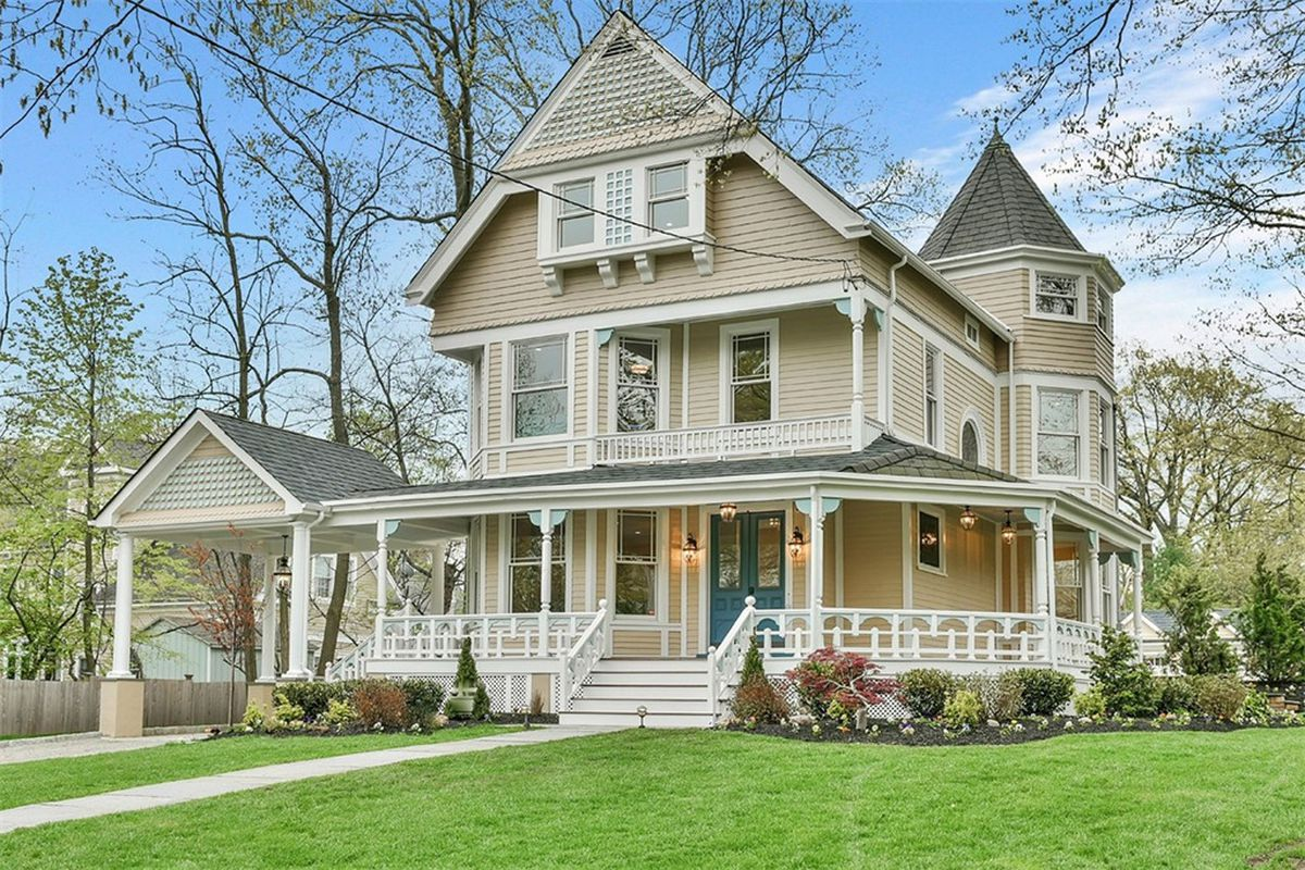 Victorian home fully renovated asks 1 7m outside nyc for Victorian colonial homes