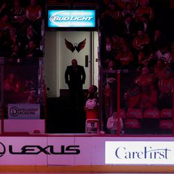 Trotz Waits for Intermission to End