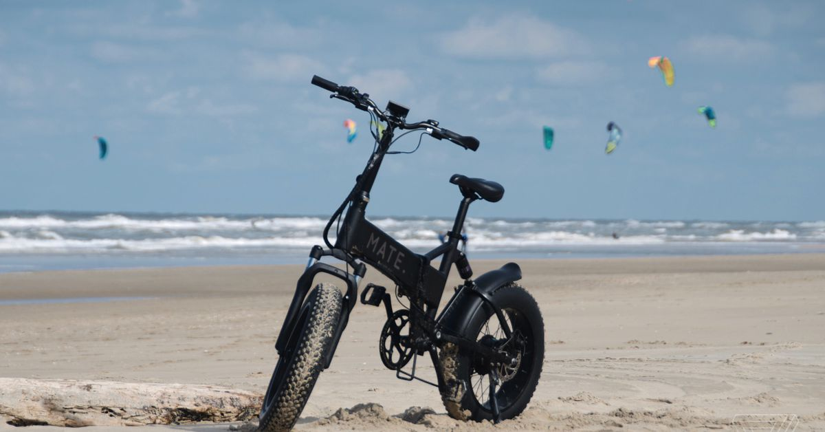 Having too much fun on a Mate X electric folding bike - The