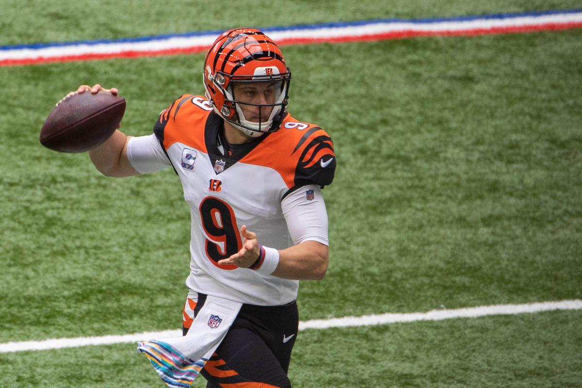 Cincinnati Bengals quarterback Joe Burrow (9) throws the ball against the Indianapolis Colts in the first half at Lucas Oil Stadium.