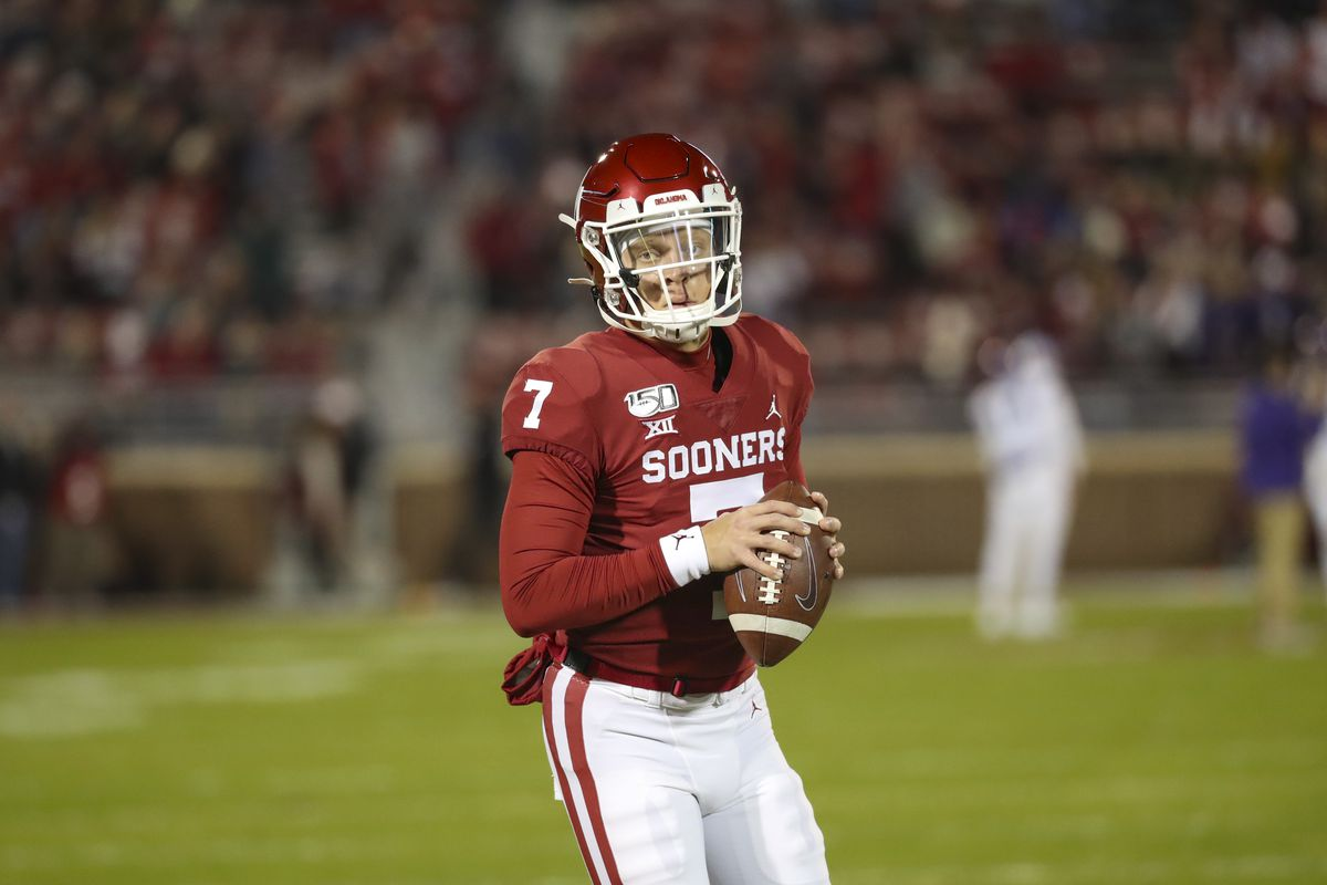Oklahoma Football: Will Lincoln Riley let the QB competition play ...