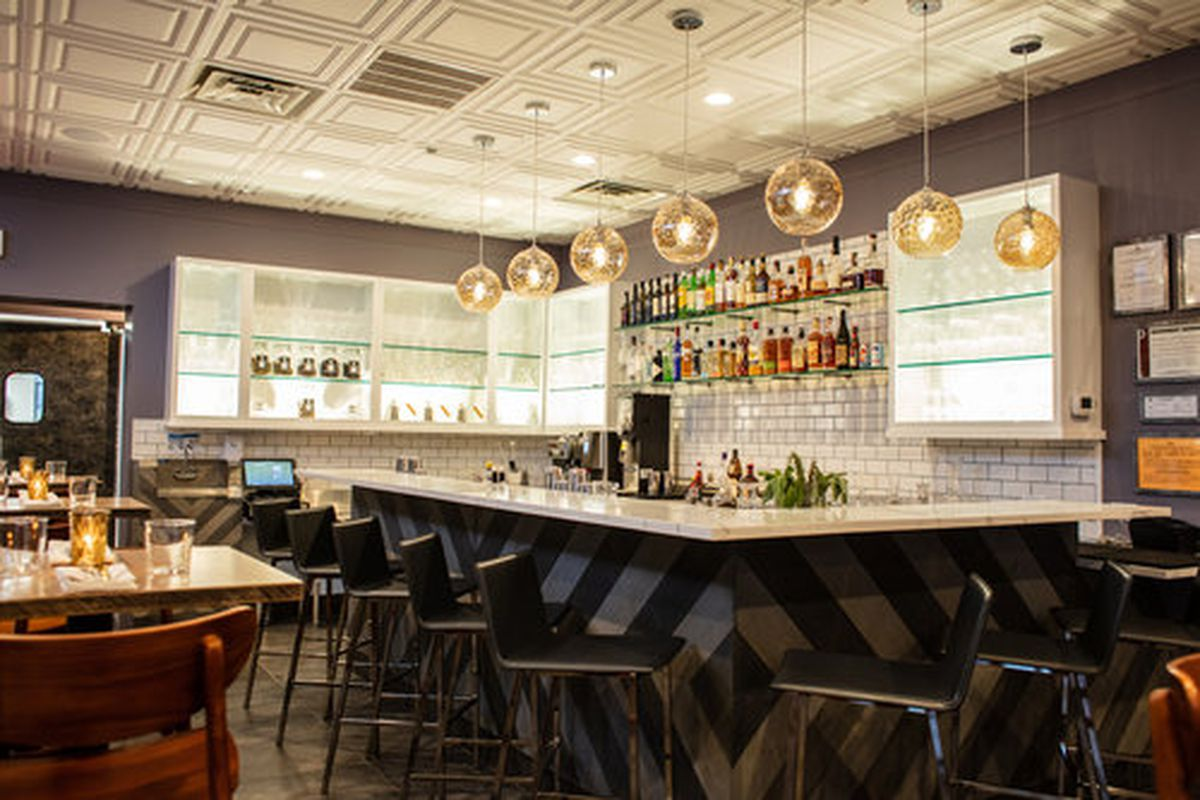 A Critic Lauds Aboyer And Silencieux S French Food In The