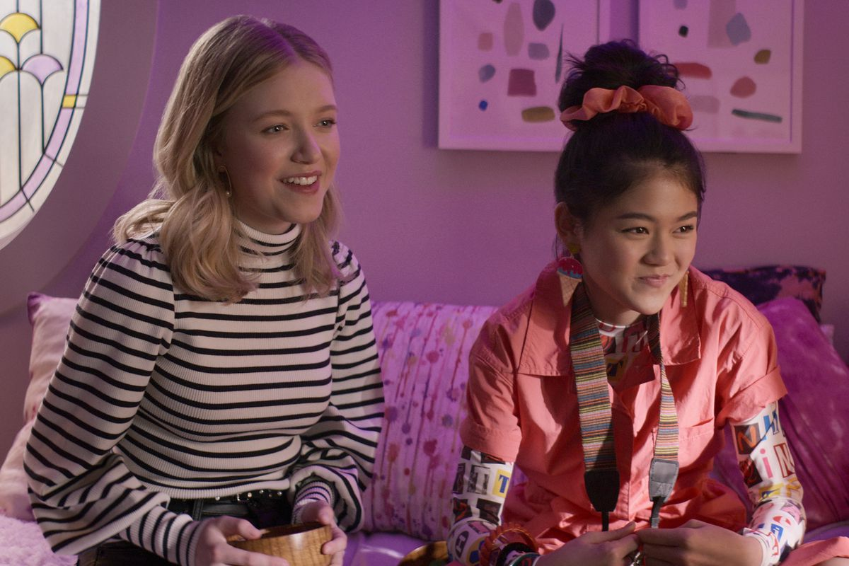stacy and claudia from netflix's the baby-sitter's club