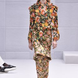 This outfit would send those who sufferer from anthophobia, a fear of flowers, into cardiac arrest.