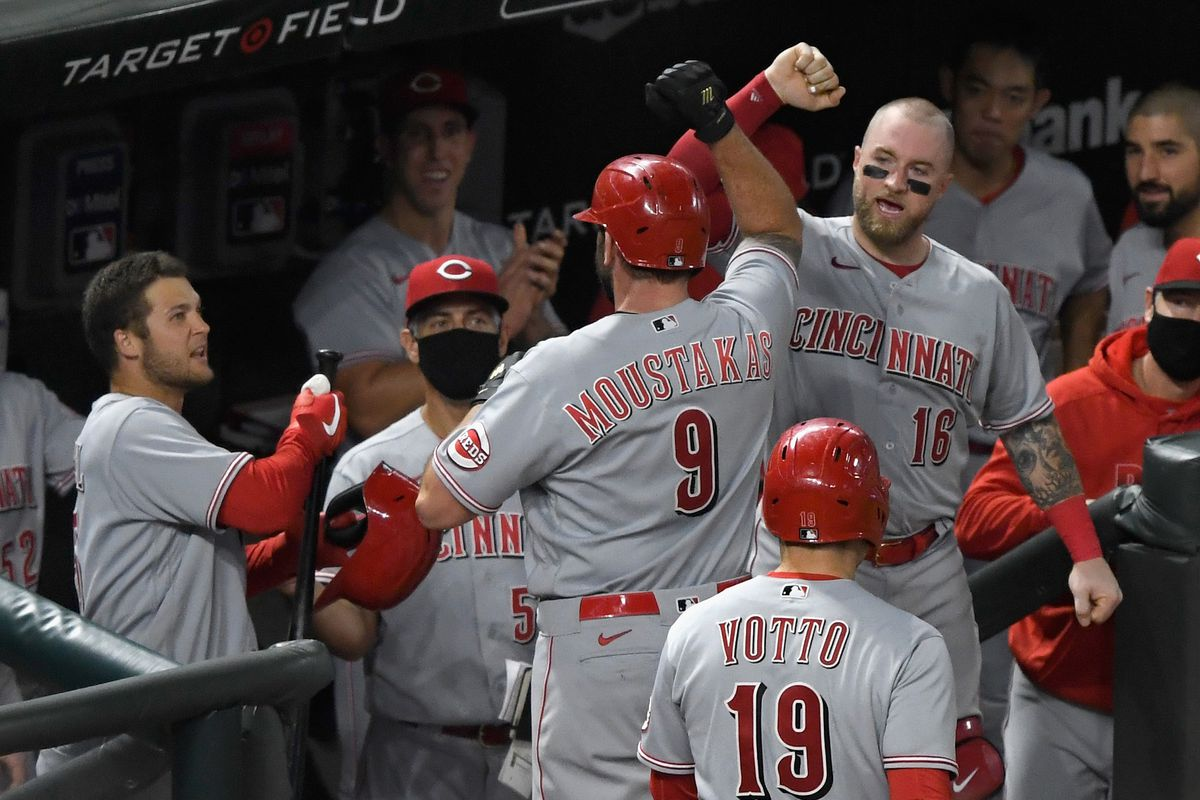 Cincinnati Reds clinch playoff berth with 7-2 win over Minnesota Twins - Red  Reporter