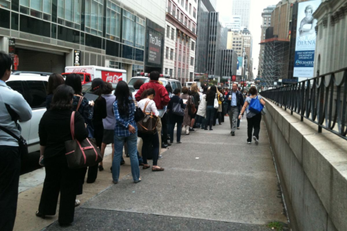 """The line from <a href=""""http://ny.racked.com/archives/2011/09/22/some_three_hundred_people_are_already_lined_up_outside_hermes.php"""">last September's sale</a>"""