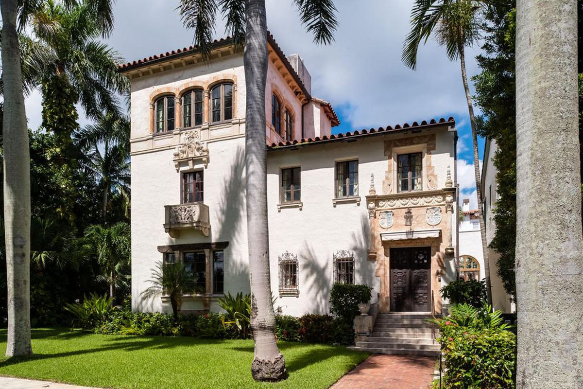 1920 39 s marion sims wyeth mediterranean revival home in for Mediterranean homes for sale