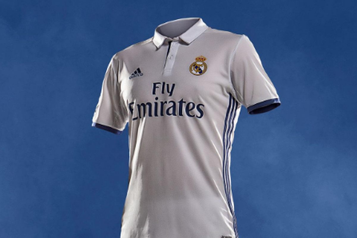 cheaper 2774e 43571 Official: Real Madrid unveil home and away kits for 2016 ...