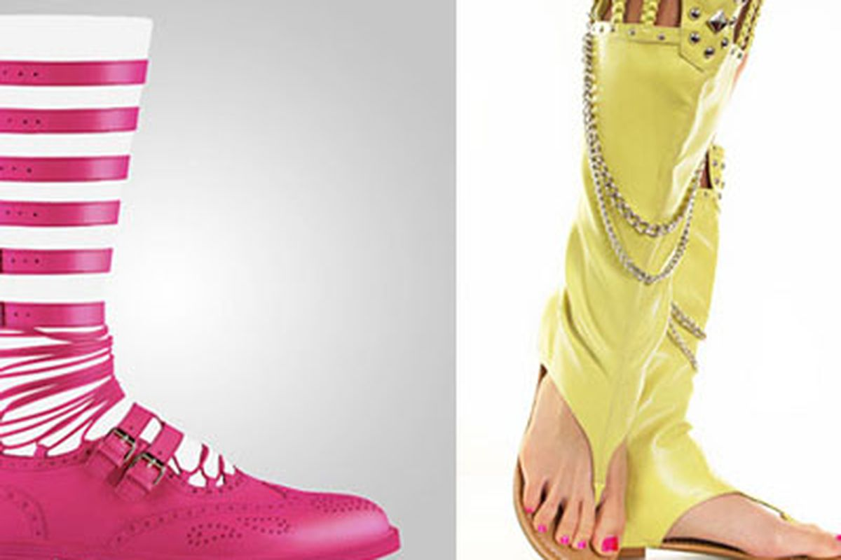 The ugly shoe show, courtesy of Jezebel. Don't forget to check the comments for more monstrosities.