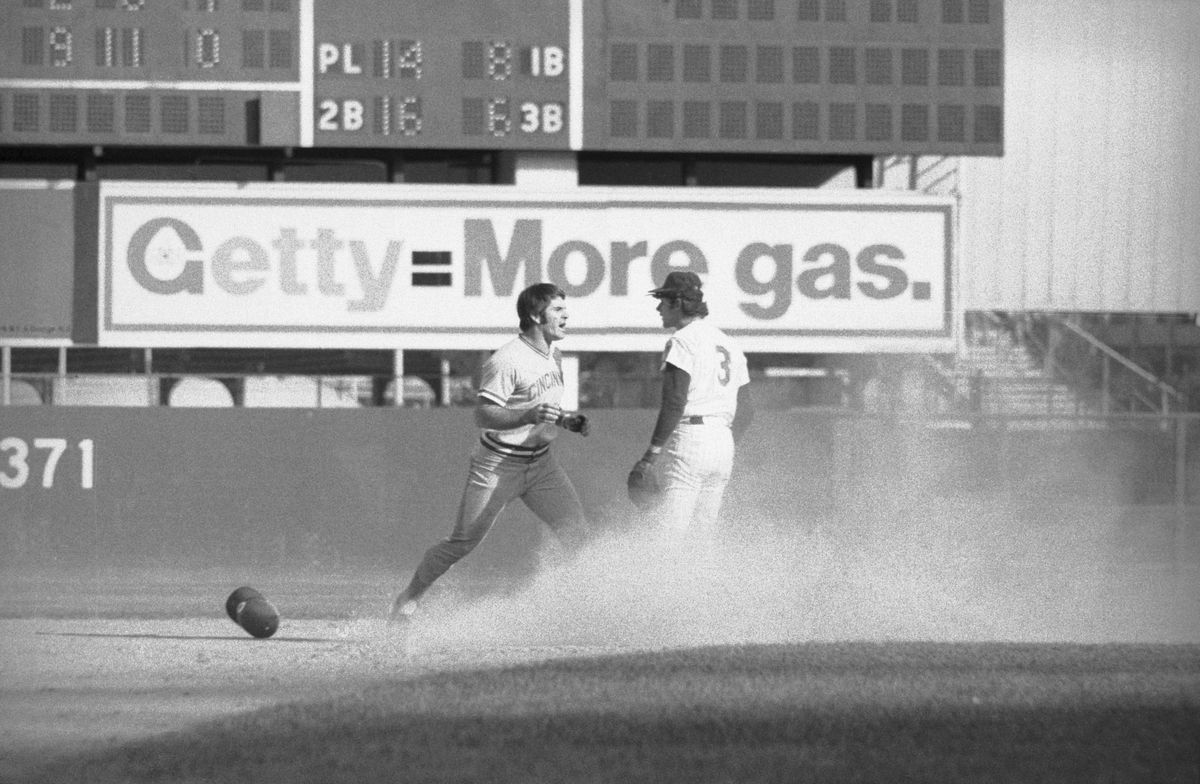 Pete Rose and Bub Harrelson Starting a Fight