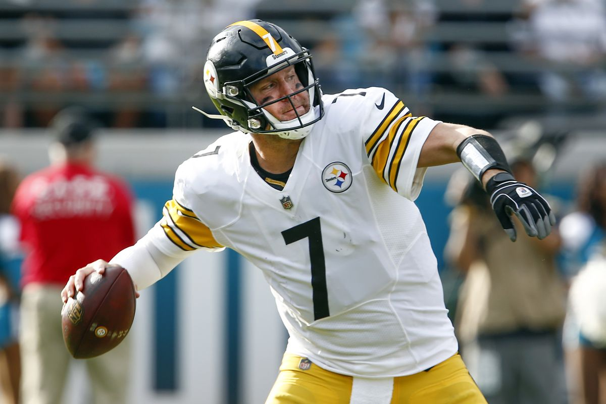 Pittsburgh Steelers quarterback Ben Roethlisberger winds up and throws a 78 yard touchdown pass during the second half against the Jacksonville Jaguars at TIAA Bank Field.