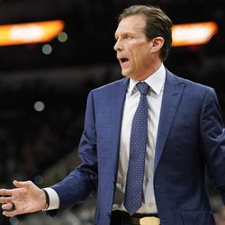 Utah Jazz head coach Quin Snyder yells to his players during the first half of an NBA basketball game against the San Antonio Spurs, Friday, March 23, 2018, in San Antonio. San Antonio won 124-120 in overtime. (AP Photo/Darren Abate)