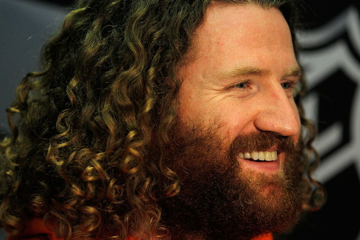 CHICAGO - MAY 27  Scott Hartnell of the Philadelphia Flyers smiles at a  reporter s question about cutting his hair during Stanley Cup media day at  the ... 04a5bbd5e