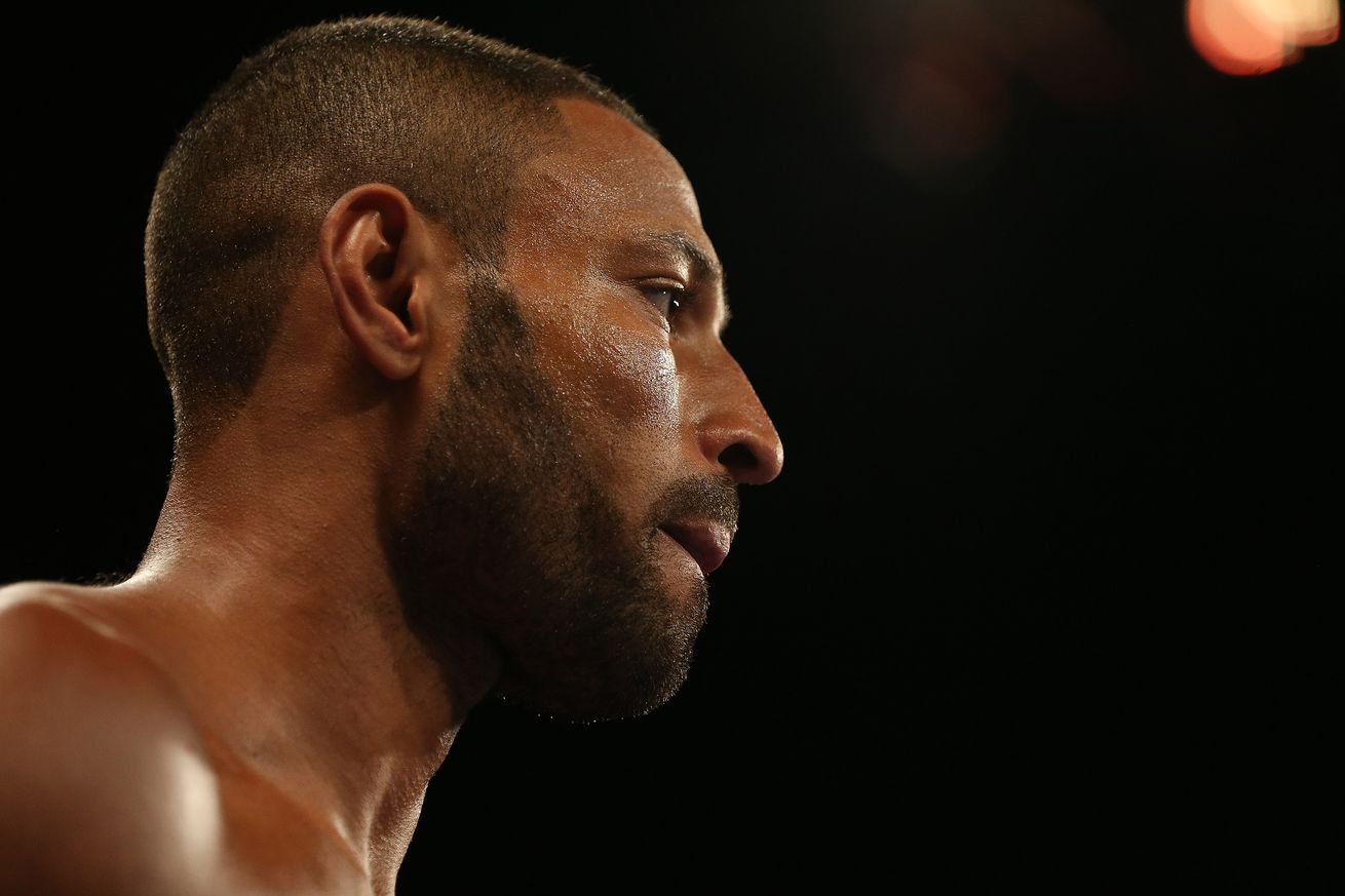 1070139316.jpg.0 - Brook: Khan doesn't have a chance against Crawford