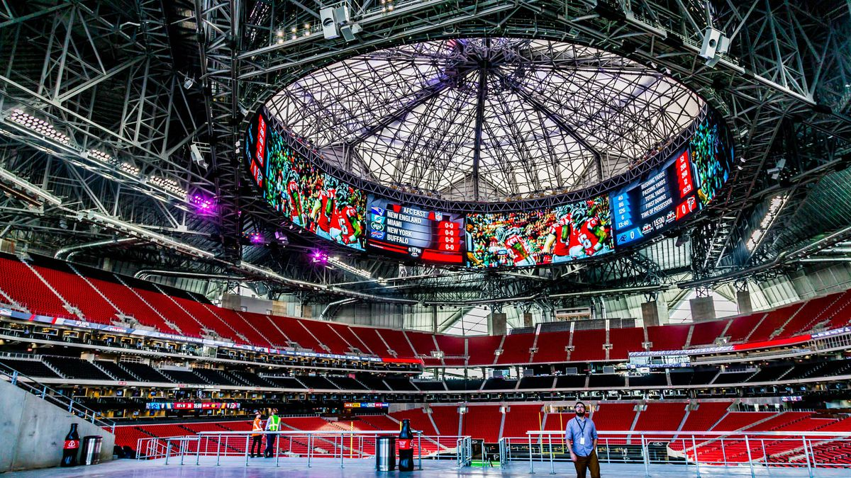 Where to eat at mercedes benz stadium home of the atlanta for Atlanta ga mercedes benz stadium