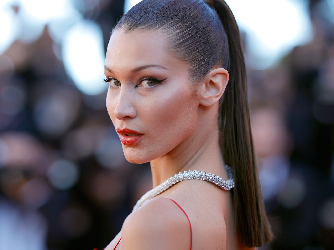 Have Bella Hadid Ariana Grande And Kylie Jenner Had Botox Brow Lifts Vox