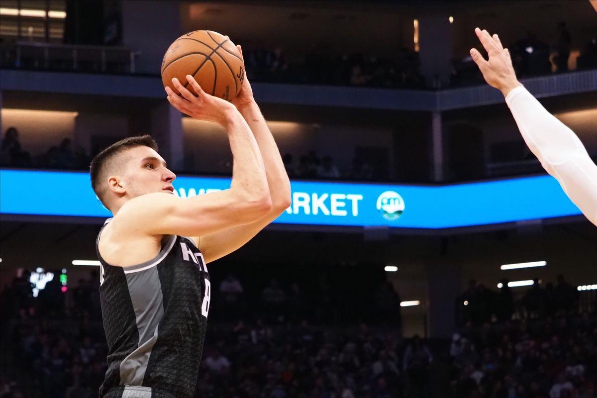 Sacramento Kings guard Bogdan Bogdanovic shoots the ball against the Memphis Grizzlies during the second quarter at Golden 1 Center.