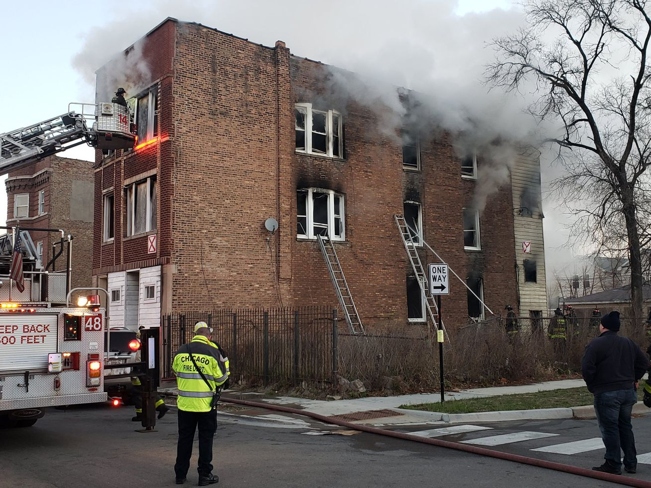 An apartment building caught on fire Dec. 9, 2020, in the 1300 block of South Homan Avenue.