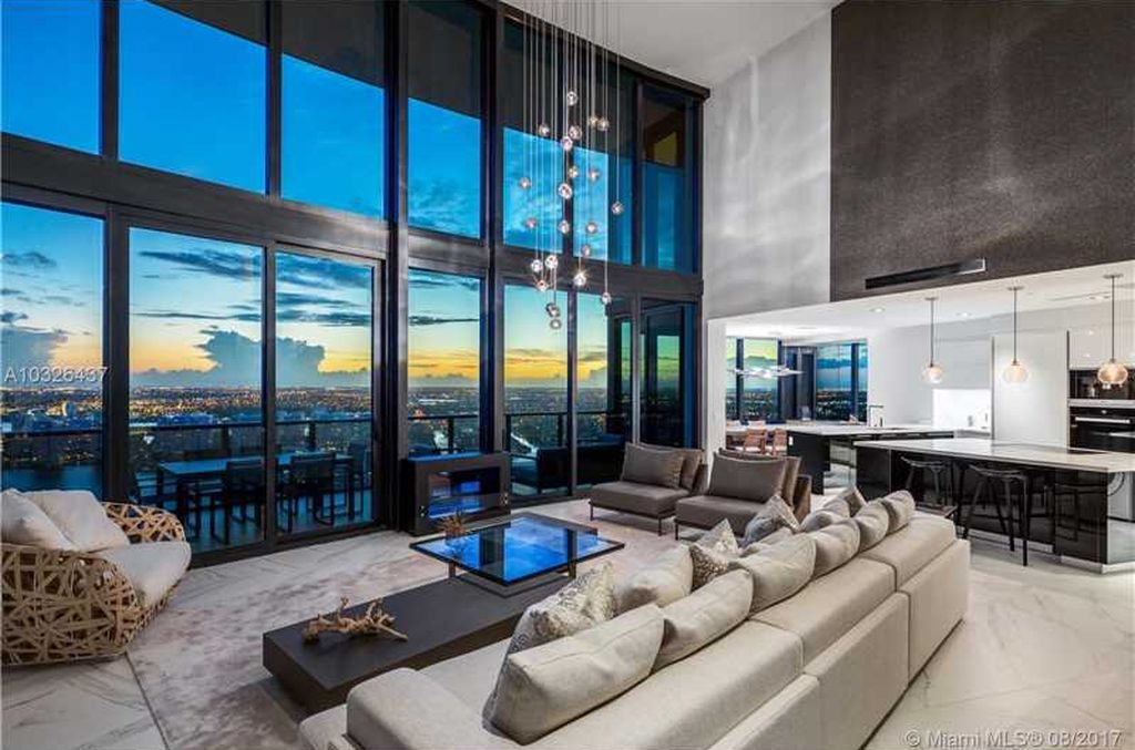 6m Duplex At Miami S Porsche Design Tower Features A Dog House With