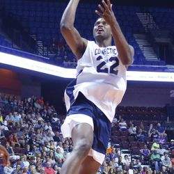 Rudy Gay goes in for two.
