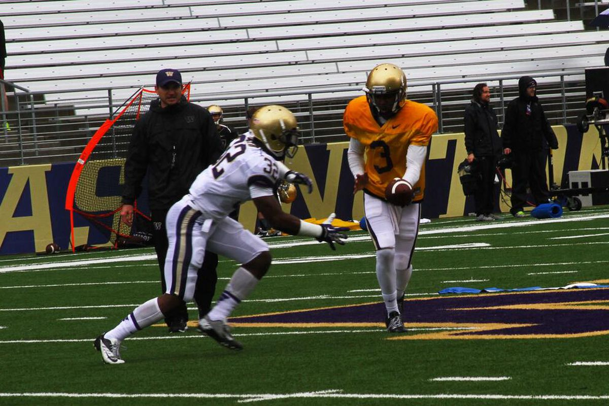 Troy Williams handing off to Deontae Cooper is a connection we might see plenty more of in the near future.