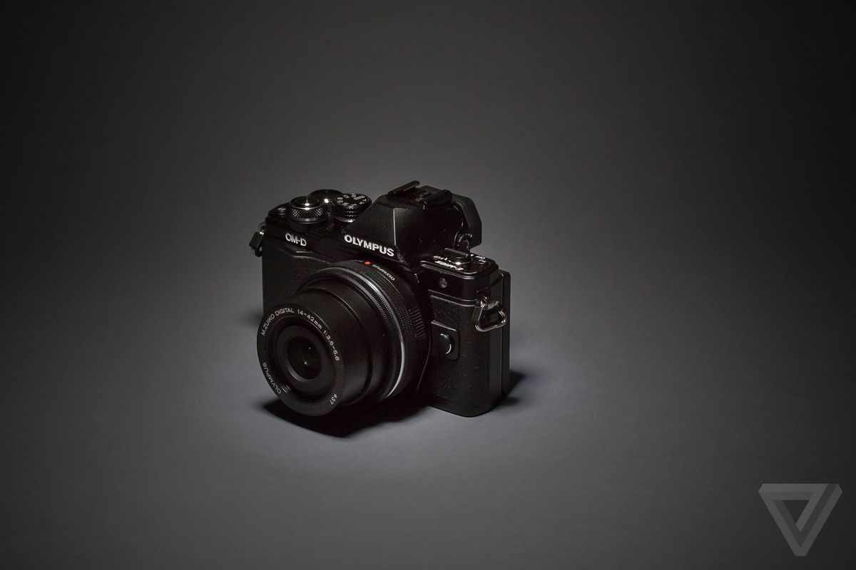 The best mirrorless camera you can buy for $1,000 - The Verge