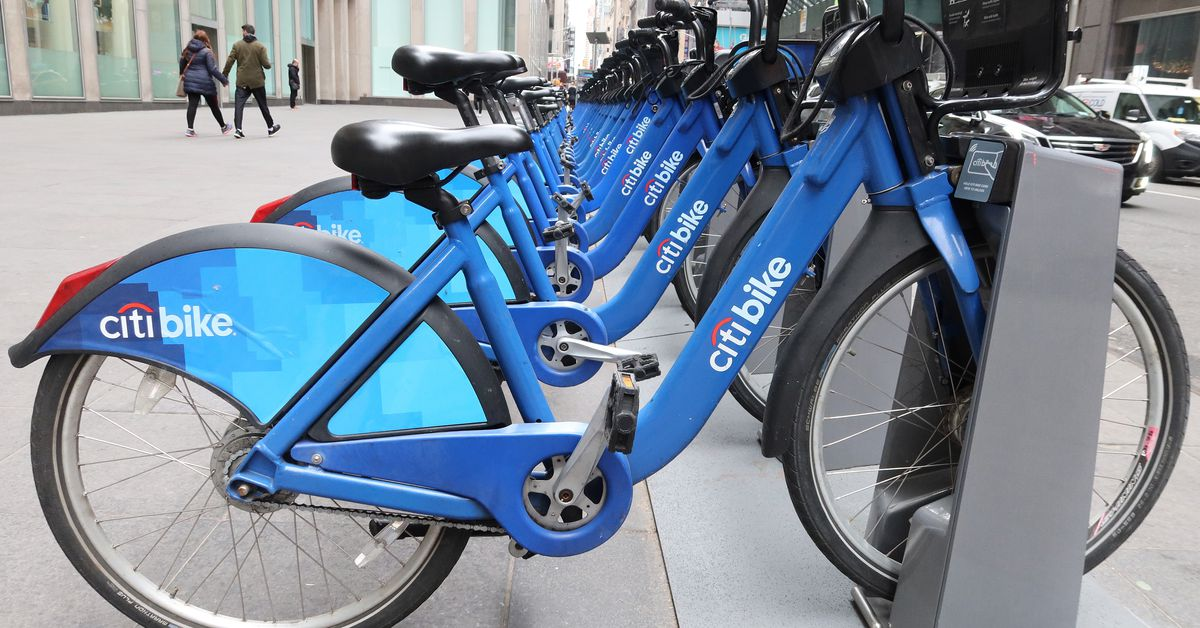 Lyft is offering free and discounted bike-share passes for workers fighting the coronavirus
