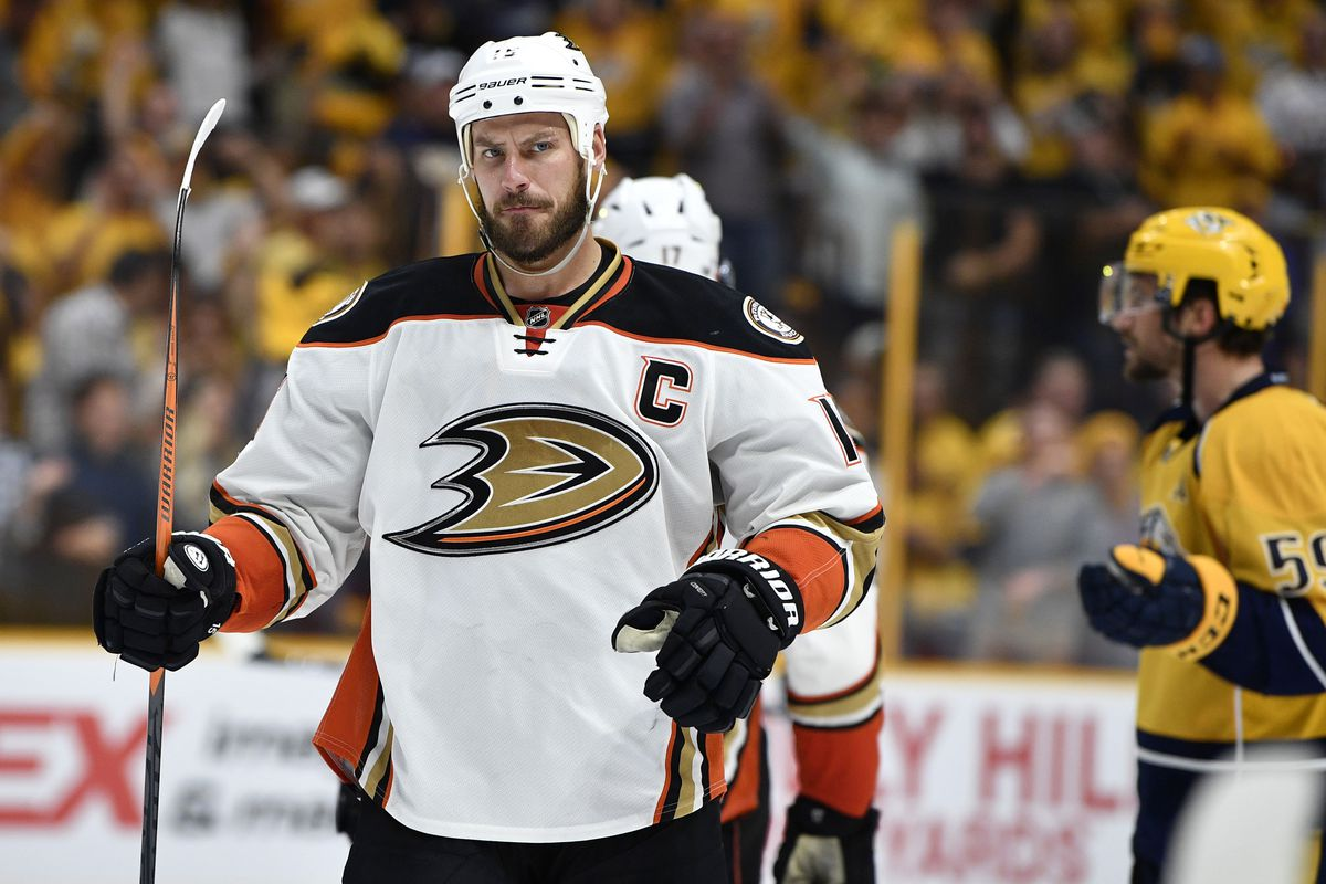 8971ba954c8 Christopher Hanewinckel-USA TODAY Sports. Ducks captain Ryan Getzlaf has  been fined ...
