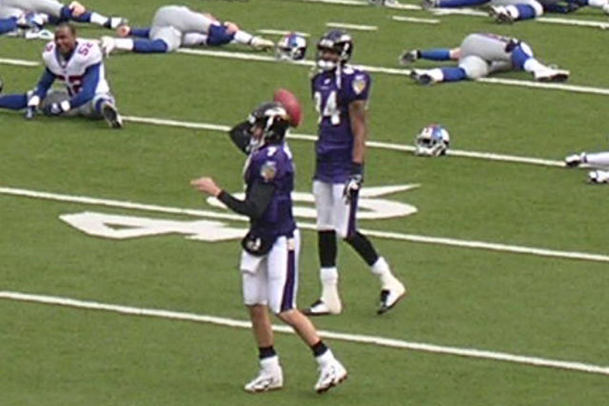 Kyle Boller Warms Up
