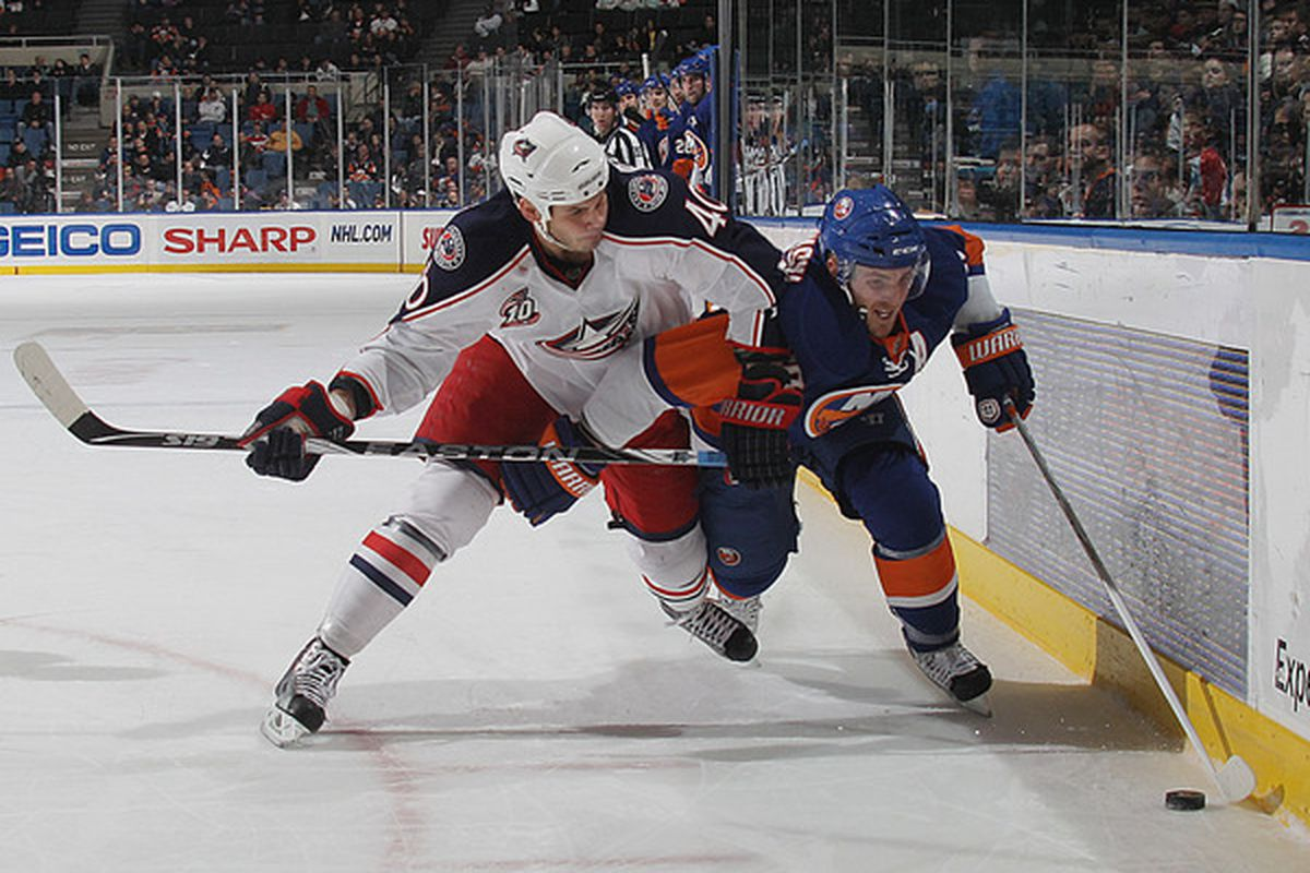 See what I did there? Who's that guy in the Isles sweater??